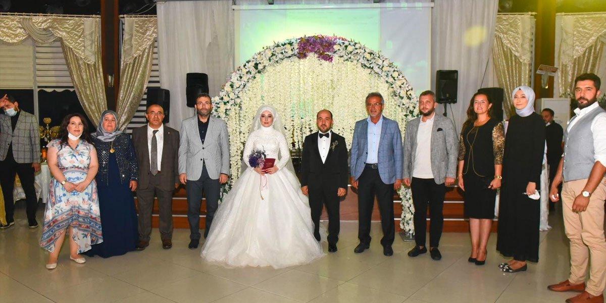Genç PESİAD Yönetim Kurulu Üyemiz Cüneyt Şallı nın Düğününe Katılım Sağladık-0