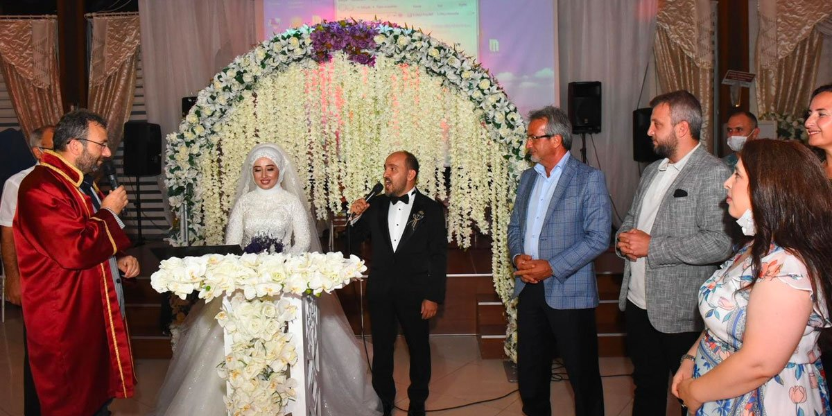 Genç PESİAD Yönetim Kurulu Üyemiz Cüneyt Şallı nın Düğününe Katılım Sağladık-2