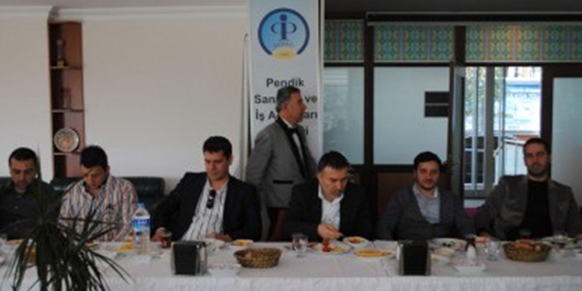 Ev sahipliğini Bülent Aydın'ın yaptığı gelenekselleşen Onur Kurulu Kahvaltısı-1