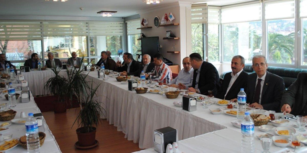 Ev sahipliğini Bülent Aydın'ın yaptığı gelenekselleşen Onur Kurulu Kahvaltısı-2