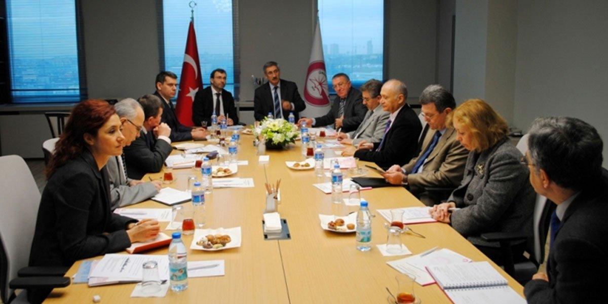PESİAD Yönetim Kurulu üyeleri, Gedik Üniversitesi yetkilileriyle birlikte toplantı düzenledi.-0
