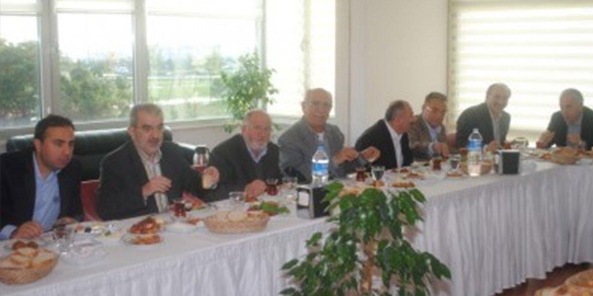 Ev sahipliğini Osman ÜÇÜNCÜ'nün gerçekleştirdiği Onur Kurulu Kahvaltımız-1